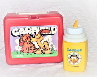 1978 Garfield and Odie Red Plastic Lunchbox and Yellow Thermos (Mismatch set)