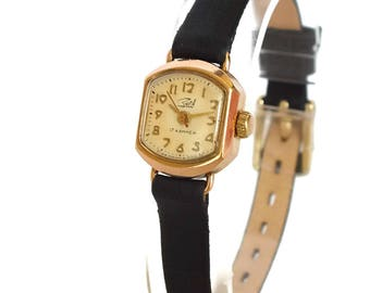 Miniature Womens Watch Zaria. Women's watches. Vintage Gold Plated Ladies Watch 60s. Small Mechanical Watch For Women. Retro Watch. Gift Her