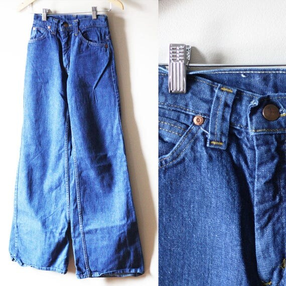 1970s GWG bell bottom jeans // vintage wide leg denim // vintage jeans