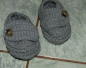 Basketball grey acrylic wool (1/12 months) crochet baby booties