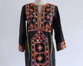 Bohemian hippie dress embroidered 70s