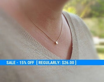 Tiny gold necklace, star necklace, small gold necklace, gold necklace, petite jewelry, delicate necklace -577
