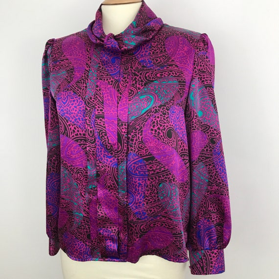 Vintage blouse paisley satin shirt 1980s jazzy print top hot pink UK 14 Mom style glam 80s high roll neck Dallas trashy power dressing