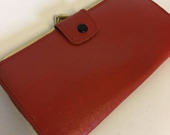 Red Leather Vintage Clasp Purse - Made in England