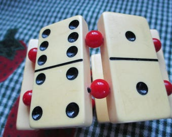Vintage Catalin Domino Bracelet with Red  beads and cream dominos - Awesome find!  = Estate find!