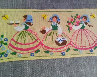 Handmade Table Topper. Table Runner. Embroidered Runner. Embroidered Decor.