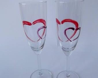 Duo de flutes coeurs stylisés modernes pour célébrer l'amour