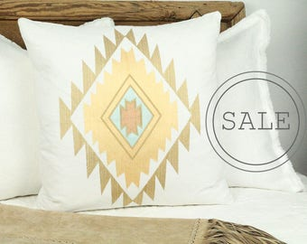 White aztec pillow, white kilim pillow, white kilim cushion, white kilim pillow cover, embroidered kilim pillow, white kilim throw pillow