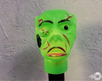 Scary Halloween Ghoul Flashlight.  Green Monster. Trick or Treat