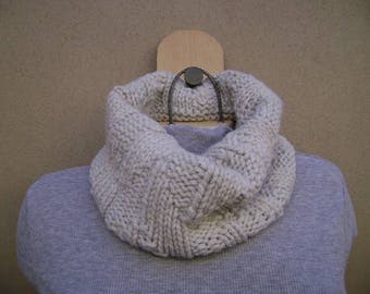 Light Grey Cowl Scarf. Circle Scarf. Tube Scarf. Hand Knit. Neck Warmer.