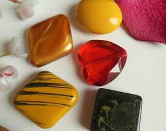 set of 5 plastic beads