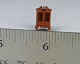 Wooden Queen Ann Cupboard - 144th scale
