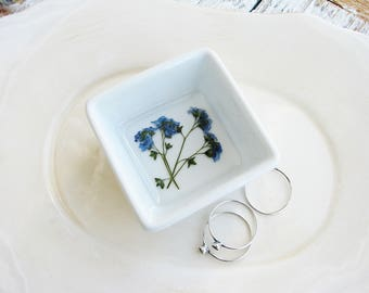 Forget Me Not Ceramic Dish, Blue Pressed Flowers Jewelry Dish,  Ring Dish, Modern Jewelry Storage, Small Bowl, Jewelry Holder