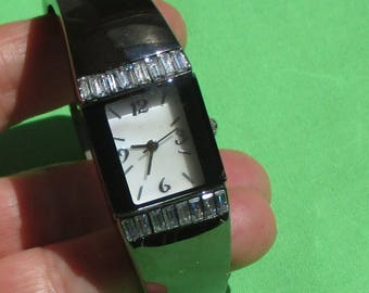 Retro Non Working Baguette Rhinestone Mother Of Pearl Face Bracelet Style Ladies Watch