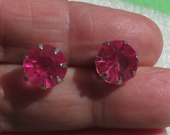 Retro Pink Acrylic Rhinestone Pierced Earrings