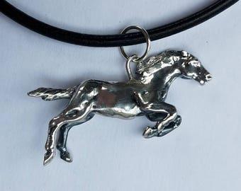 Sterling Silver Horse Pendant HW 12