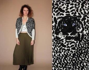 ON SALE 90's vintage women's black-white leopard patterned kimono sweater