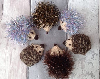Knitted hedgehog,  a pair of hedgehogs, mini hedgehog, Christmas, hedgehog with bow, autumn display, soft toy, miniature