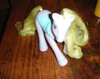 Vintage  MY LITTLE PONY Sweet Baby Ballerina Tippy Toes 1989.  In good condition..very clean.  Purple pony with yellow hair