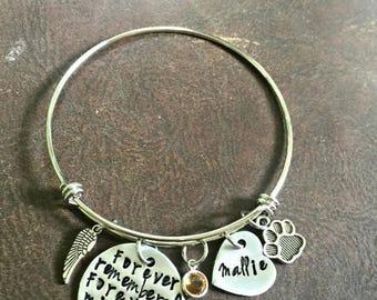 Pet loss bracelet, Pet memorial jewelry, Loss of Pet jewelry, bangle bracelet, hand stamped bracelet, Personalized pet loss bracelet, Custom