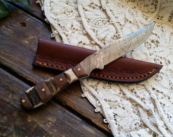 "Damascus Hunter Knife, Stag & Wood Handle, 4 1/2"" Clip Point Blade, Leather Sheath, Hand Forged, Full Tang,  Hand Made"