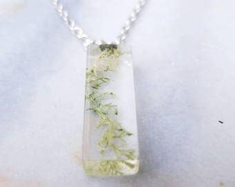 Resin rectangle pendant with live fern