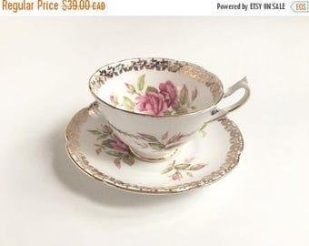 ON SALE VINTAGE Collingwoods Bone China Teacup, 1940s Pink Roses