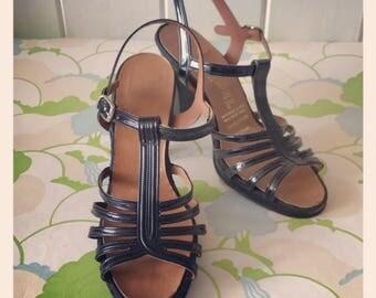 Retro Vintage Shoes -Brown Suede - size 3-4
