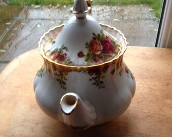 Royal Albert 'Old Country Roses' Large Teapot