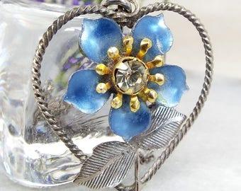 Vintage Silver Tone Forget Me Not Blue Enamel Flower Heart Pendant Necklace