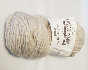 Cascade Ecological Wool. Undyed Peruvian Highland Wool. Natural Wool