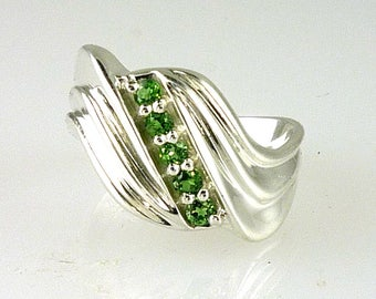 Natural Tsavorite Garnet Contemporary Band .925 Sterling Silver