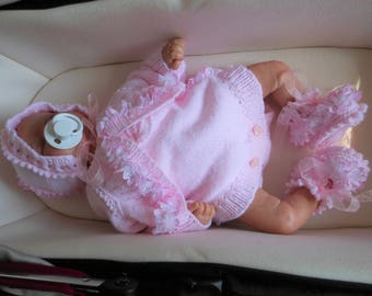 Baby pink outfit for girls, reborn baby clothes, baby photo prop outfits, hand knitted baby clothes, frilly bonnet, frilly bolero jacket