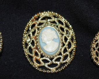 Sarahoo Signed Goldtone 3 Pc Cameo Filigree Brooch/Pendant Clip On Earring Set