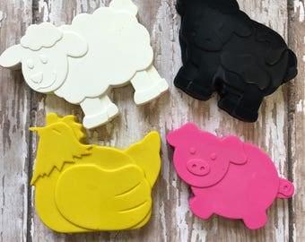 80 Farm Barnyard Animal Crayons Party Favors - Cow - Pig - Sheep - Chicken - Bulk Packaging