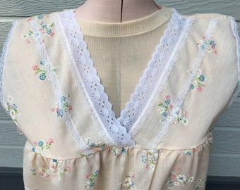 Vintage Nightgown, Pale peach , floral ,Great Condition ,Medium , cotton blend.