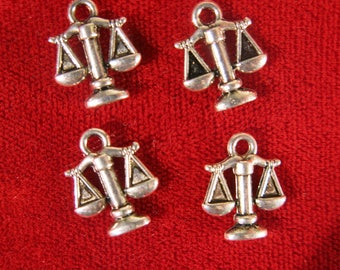 """BULK! 30pc """"scale"""" charms double-sided in antique silver style (BC524B)"""