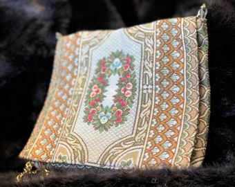 Gorgeous Italian Gilt Tapestry Vintage Walborg Purse