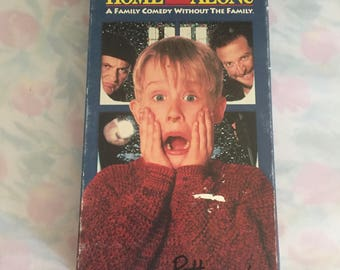 Y007 Home alone VHS tape vcr movie