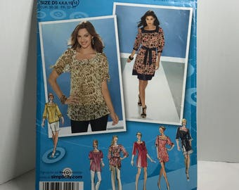 D248 Simplicity 3535, sewing pattern, women's blouse, dress, smoke, square neckline, size 4-12  uncut