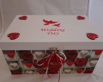 Large Wedding memorabilia Box / Wedding Keepsake box, to store all those photos, table decorations and keepsakes of the big day.
