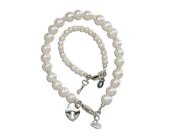 """Sterling Silver Mom and Me Bracelet Set """"She Holds the Key to your Heart"""" with a Gift Box for Mother's Day Gift (MMK-FWP)"""