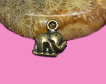 10 10x10mm bronze elephant charms