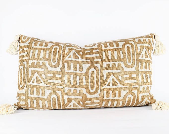 Tribal Printed Heavy Weight Linen And Tassel Lumbar Pillow Cover 14x24
