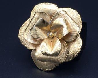 Vintage Winard  12k G.F Flower brooch