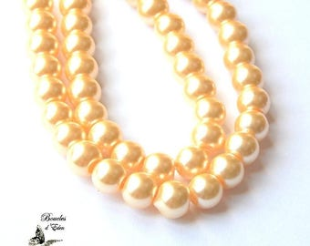 110 Pearly yellow glass beads 8mm