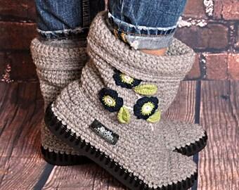 Crochet boots Uki-Crafts- Sand-Crochet Boots for the Street Folk Tribal Boots Boho grey-black soles