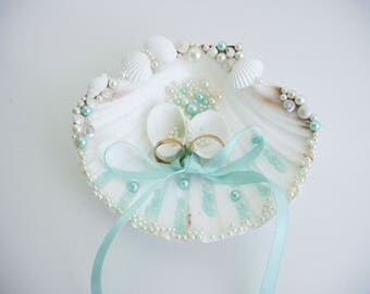 Shell ring holder Wedding Ring Holder Sea shell Ring Bearer