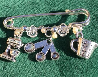 """The Crafty Cook's Kilt Pin Brooch-2"""" Silver Plated Pin and Charms"""