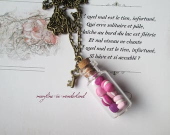 Necklace vial drink me pink macarons